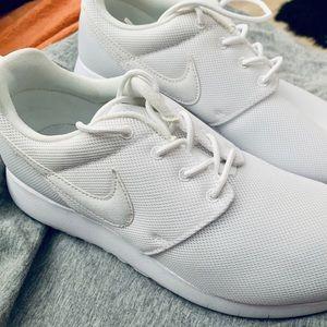 Nike Tanjun Brand New